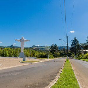 Estátua do Cristo em Analândia | Portal Serra do Itaqueri