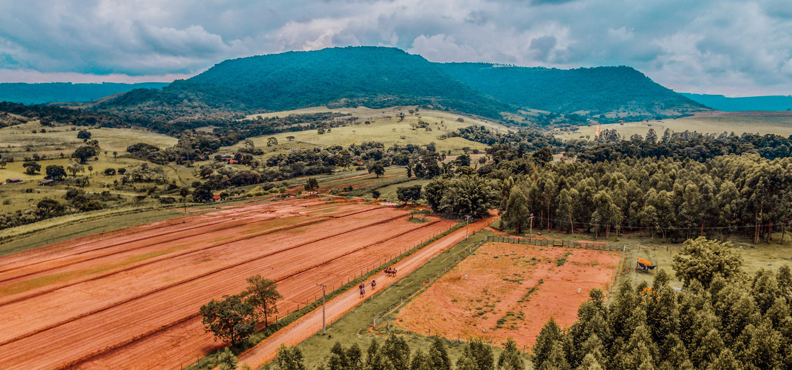 Rancho Lauro Daroz em Santa Maria da Serra | Portal Serra do Itaquerí