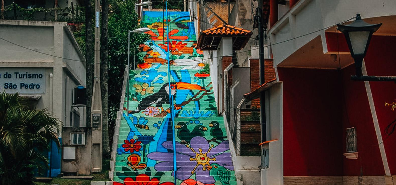 Escadaria em Águas de São Pedro | Portal Serra do Itaquerí