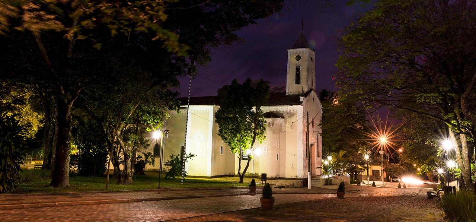 Igreja Matriz em Analândia | Portal Serra do Itaquerí