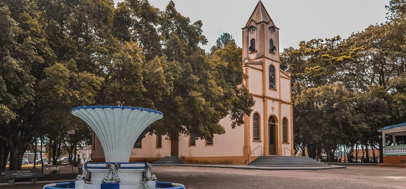 Praça de Corumbataí | Portal Serra do Itaquerí